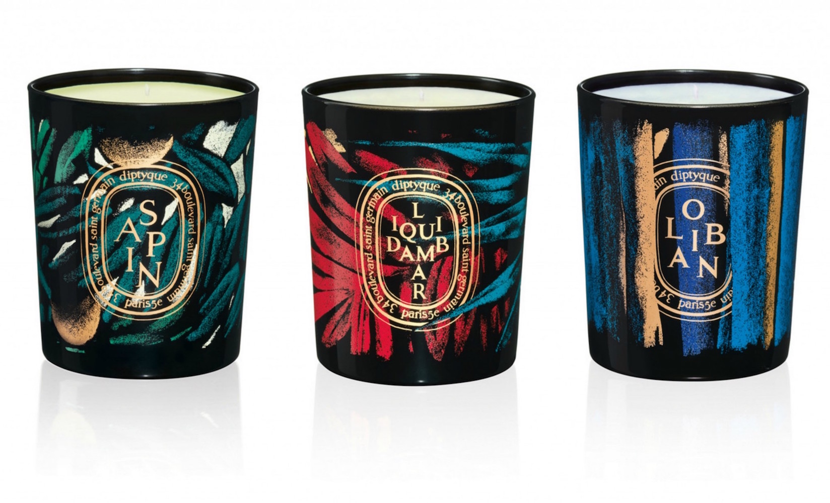 Limitovaná kolekce vánočních svíček Diptyque v designu od Juliena Colombiera. Prodává Ingredients