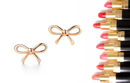 Náušnice Tiffany Bow z 18karátového růžového zlata Rtěnky Chanel Rouge Coco