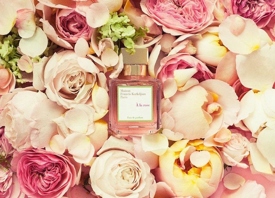 Maison Francis Kurkdjian: A la Rose - parfémová voda s dominantními akordy damascénské a turecké růže s jemným nádechem bergamotu a fialek
